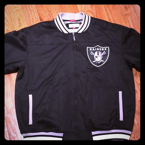 ... Throwback Oakland Raiders Jacket. M 5a7a54653b16089929d8f183 5aa303974